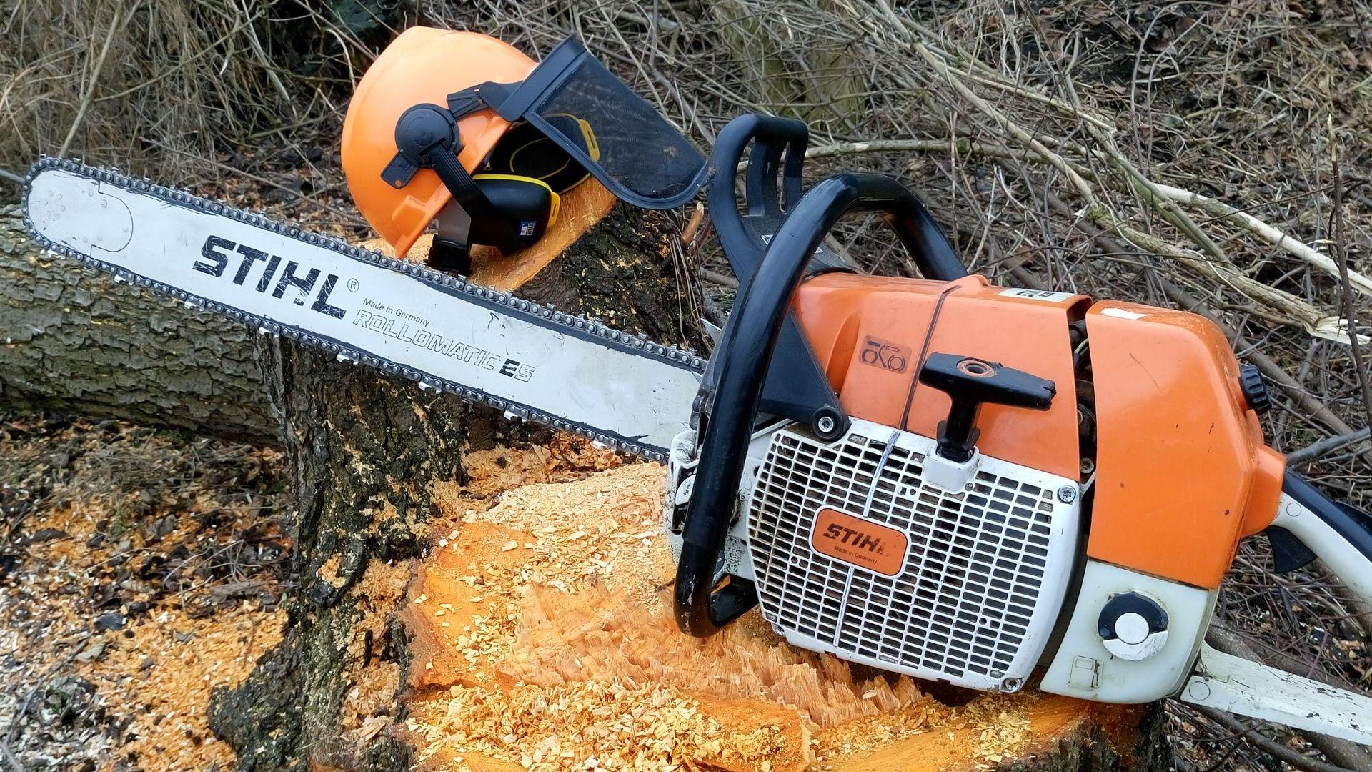 Wycinanie dużych drzew Stihl MS880